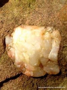 Quartz Inlay in Red Sandstone